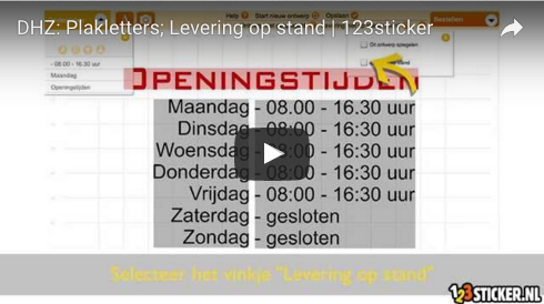 Plakletters: levering op stand